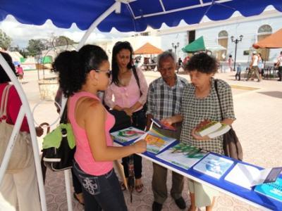 """""""Logos"""" en la Feria Internacional del Libro Las Tunas 2015"""